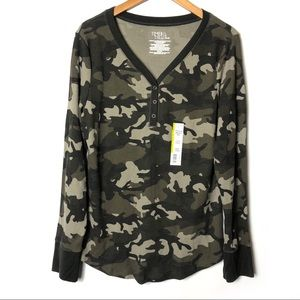 TIME and TRU Camo Thermal Henley Long Sleeve Shirt